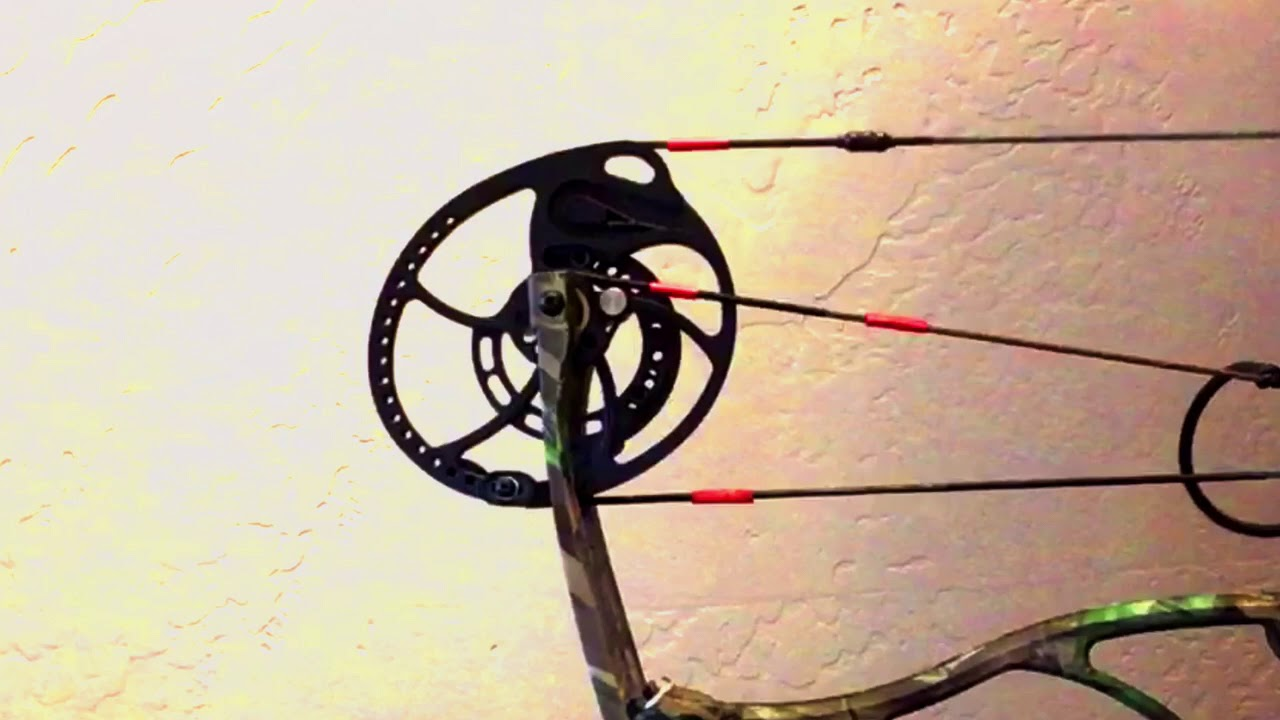 Compound bow cam in slow motion