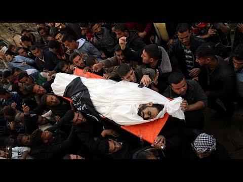 غزة تشيع وتدفن ضحاياها الذين قضوا جراء الاعتداء الإسرائيلي…
