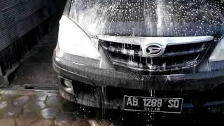 Mencuci mobil dengan Bio Safe