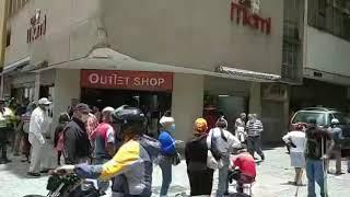 Abren comercios en el centro de Caracas
