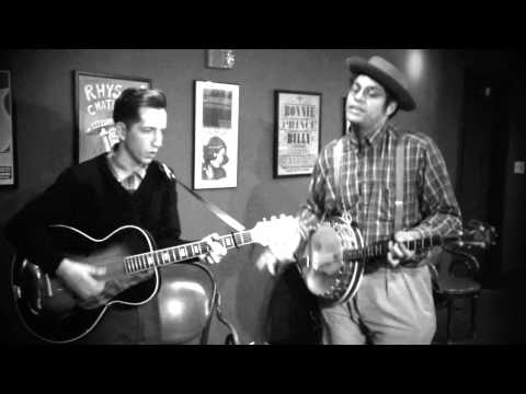 """Kitchen Songs No 8 : Dom Flemons playing """"San Francisco Baby"""""""
