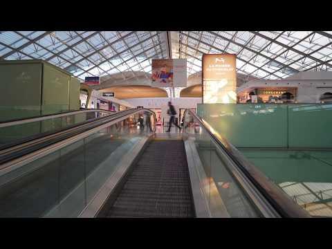 France, Paris, Charles de Gaulle airport, walking around, 7X escalator, 3X elevator