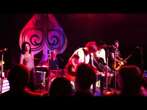 Butch Walker And The Black Widows - Closer To The Truth And