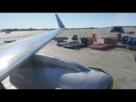 Flight on an American A321 LAX-LAS (Main Cabin Extra)