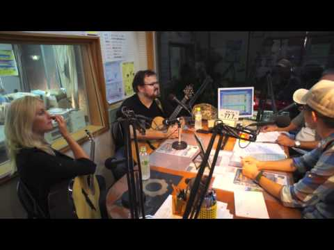 Broadcasting Don Ross and Brooke Miller on Amami-FM in Japan (Part I)