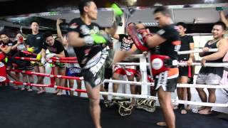 SAENCHAI Muay Thai Crazy Record: 31 kicks in 16 seconds at YOKKAO Training Center Kuala Lumpur!
