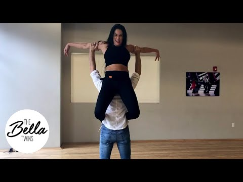 """Nikki Bella channels her inner """"Dirty Dancing"""" for this CRAZY move!"""