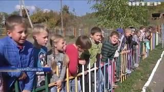 Небезпечні уроки: поблизу Ужгорода школа перетворюється на руїни
