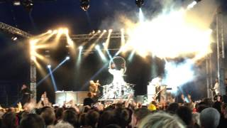 I Am Machine - Three Days Grace ( Live At Download 2015 )