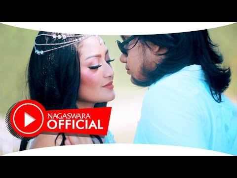 Siti Badriah - Harapan Cinta (Official Music Video NAGASWARA) #music