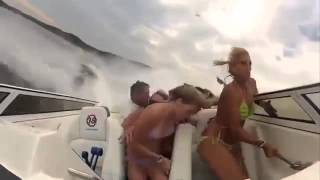 Hollaback Girl Vine - Boat Crash