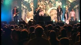 Ravi & Dj Løv Feat The Monroes - Tsjeriåu  Live At Topp20 Rådhusplassen 2005