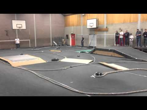Seaham A B C D and E 2wd Finals RC race 25/12/15 Kyosho Schumacher yokomo b5m