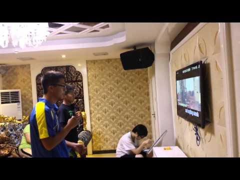 Having fun at karaoke place in fujian