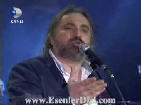 Volkan Konak - Nazim Hikmet ve Vatan Hainligi (Beyaz Show 20 mart 2009)
