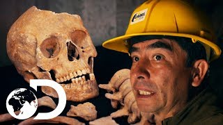 Shocking Artefacts And Human Remains Found In 2000 Year Old Pyramid | Blowing Up History