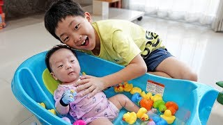 Baby Bath with Toy Family Care of Newborn Baby