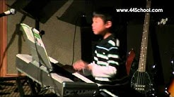 Piano lessons Bellevue, Washington - Tyler B. plays piano!