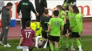 Neil Lennon attacked by Hearts fan 11/05/11 thumbnail