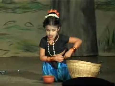 9b753e1c20fe folk dance malayalam isha saniya.mp4 - YouTube
