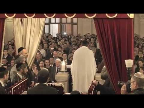 Prière et recueillement à la Grande synagogue de La Victoire, le 30 juin 2014