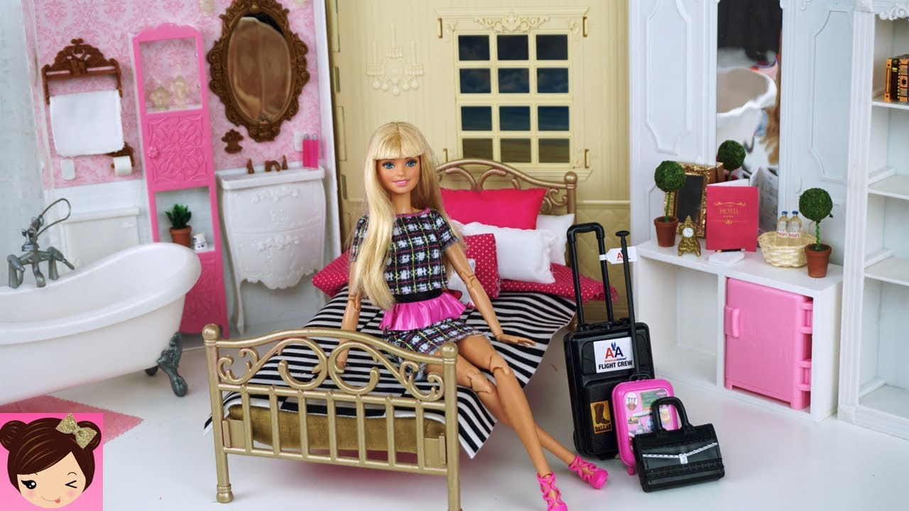 Barbie Doll Grand Hotel Bedroom Pink Bathroom Playset Doll Hotel