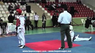 Gambar cover 53kg Semifinal - Safiye Yalcin Turk - Kubra Eren (2011 Klupler Türkiye TKD Şampiyonası)