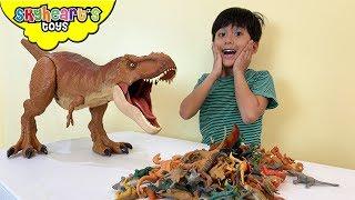 JURASSIC T-REX eats mini dinos! Skyheart Toys dinosaurs for kids playtime colossal