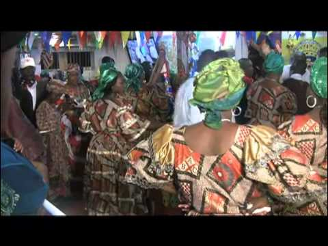 Petwo-Kongo rite: Salutation of Nago Obatala with flags (Video 30)