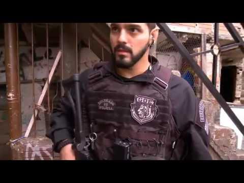 Operação de Risco -  RedeTV - Policial e traficante brigam em prisão em flagrante