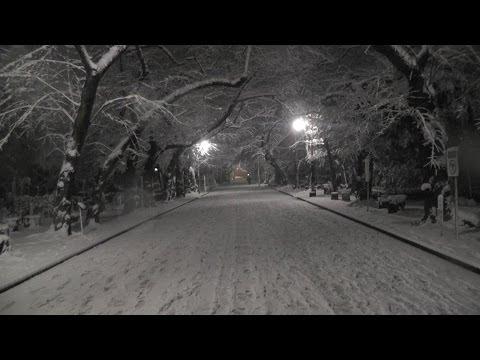 東京・台東区&荒川区 夜の「雪の谷中」  Yanaka of evening snow, Tokyo