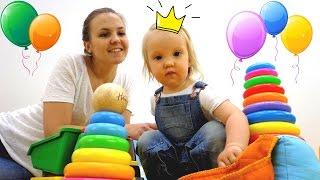 Дети и родители: Кира собирает пирамидку и пазл. Развивающее видео для детей.