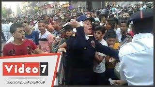 الشرطة النسائية تستخدم