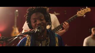 Ayotemi - On & On (Live at the Parlor Studio)