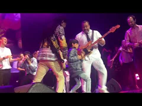 """""""Good Times"""" Chic ft. Nile Rodgers Live at the O2 2017"""