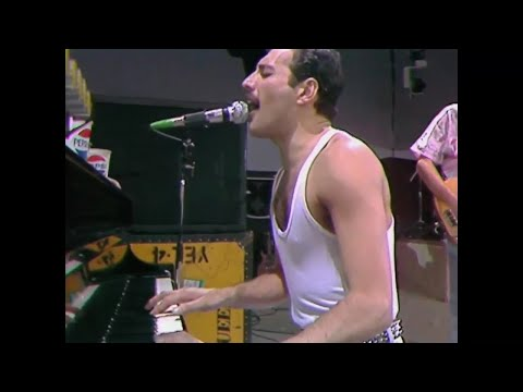 BOHEMIAN RHAPSODY by Queen - 25 performances spanning 40 years