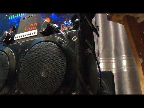 Музыкальный центр + бас + автономный источник питания 220 вольт! Смотрите видео до конца, спасибо!