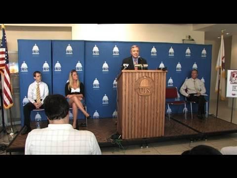 U.S. Senator Dick Durbin discusses textbook affordability at UIS