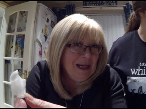 She's drunk and very chatty (Vlog #230)