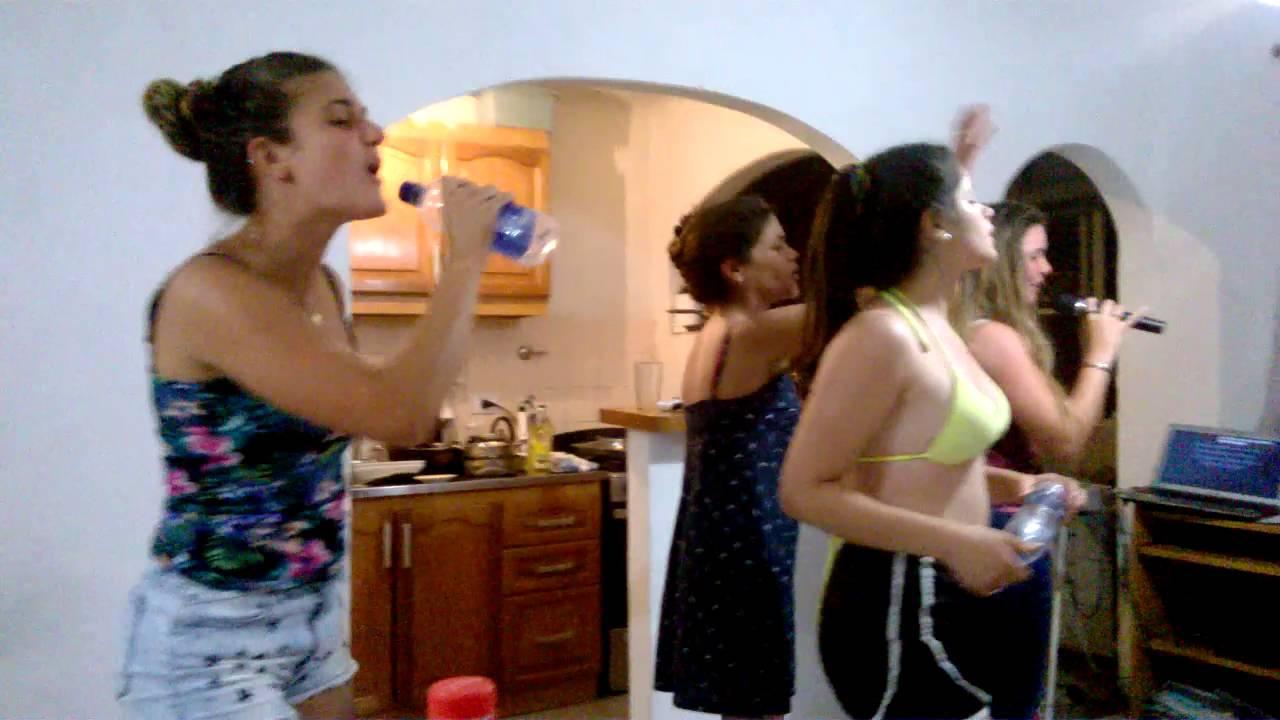 Karaoke a full en casa mary y las chicas youtube - Karaoke en casa ...