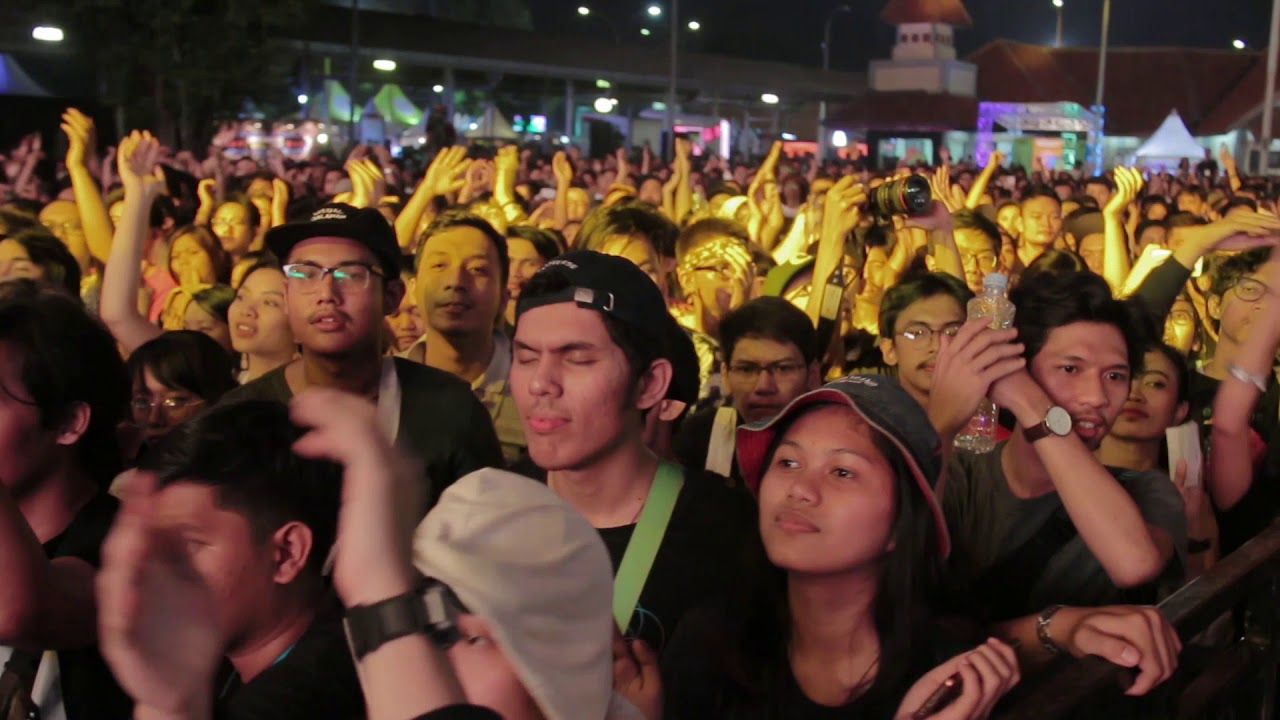 the-adams-halo-beni-crowd-cam-live-at-gambir-expo-jakarta-07-10-2017-the-adams