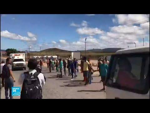 صدامات بين قوات الأمن ومتظاهرين يريدون إدخال مساعدات إلى فنزويلا