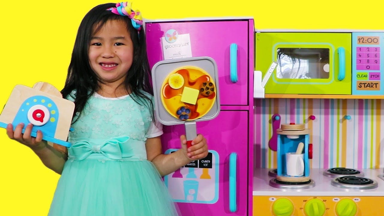 Jannie Pretend Cooks Breakfast With Giant Colorful Kitchen Toy Youtube