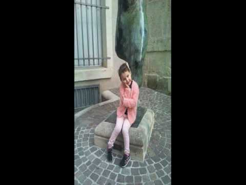 Laura Vass - Sia (Official video)