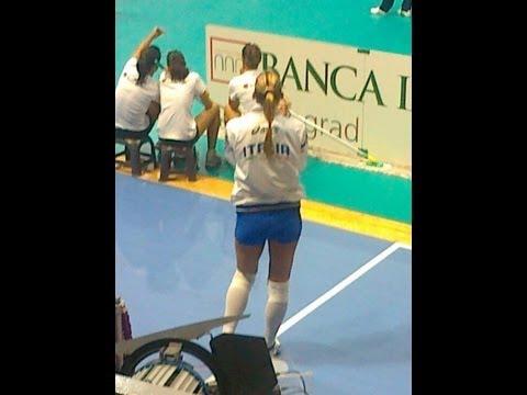 Sexy Francesca Piccinini in Belgrade (European Volleyball Championship)!!!