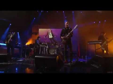 QOTSA - I Appear Missing (Live On Letterman)