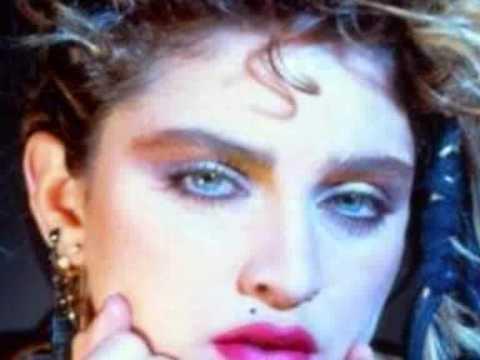 Nil Karaibrahimgil - Madonna Olacakmış mp3 indir