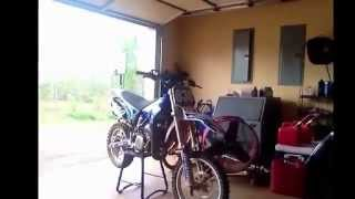 How to put a dirtbike on a box stand