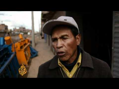 Peruvians meting out street justice
