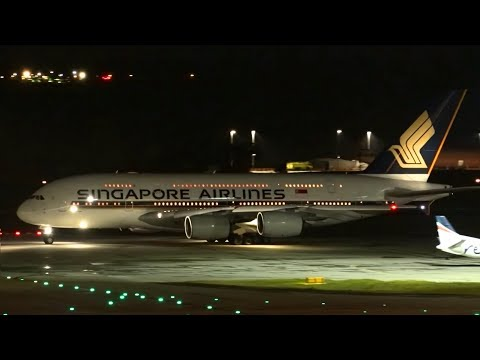 STUNNING Night Flights | Melbourne Airport Plane Spotting